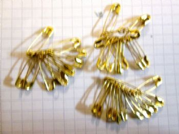 18mm Gold Safety pin x 12